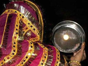 How do we celebrate Karva Chauth in 2015