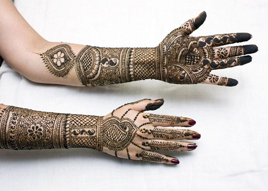 Dulhan-Mehndi-Designs-For-Hands-3