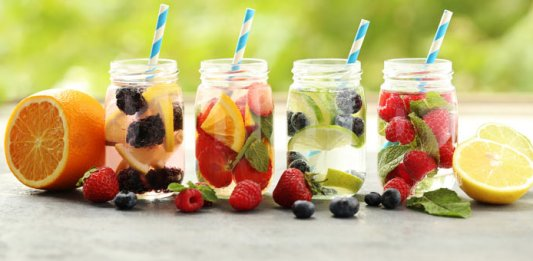 detox-waters fruit detox