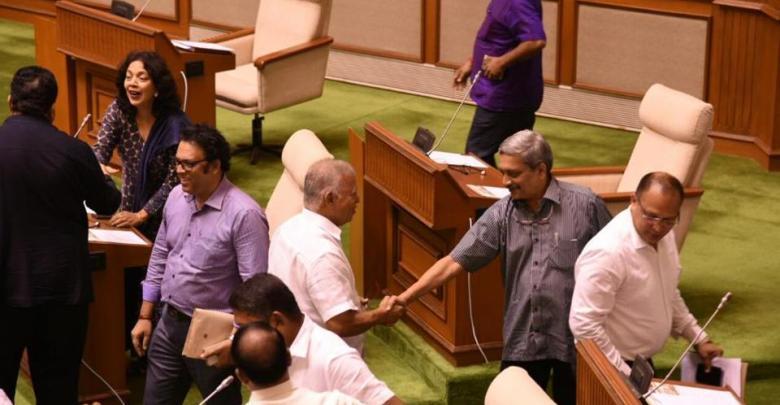 Parrikar clears floor test