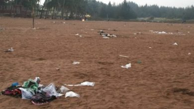 Photo of Miramar Beach almost disappears under waste after New Year's Eve