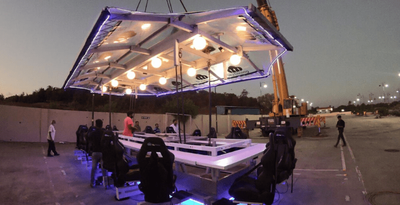 Sky Dining Cover