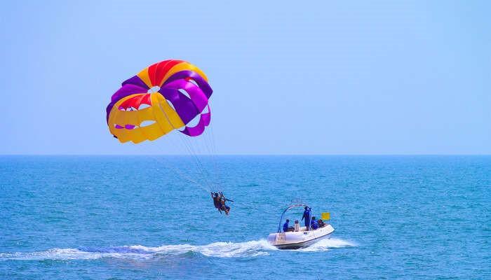 where-parasailing-in-goa