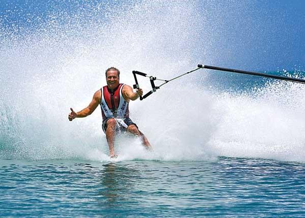 waterskiing-in-goa