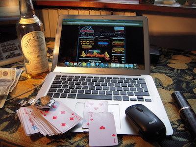 オンラインカジノのパソコン