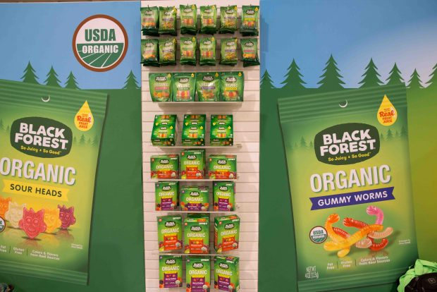 Black Forest Organic Gummy Bears. Top Trends at Natural Products Expo West 2018 via It's Jou Life blog - https://wp.me/p7RBMP-1b2