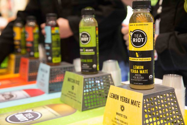 Tea Riot Organic Tea Juice Drinks. Top Trends at Natural Products Expo West 2018 via It's Jou Life blog - https://wp.me/p7RBMP-1b2