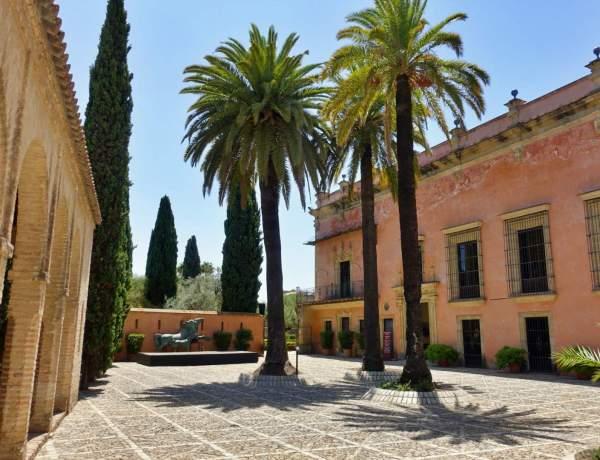 Courtyard in Jerez alcazar