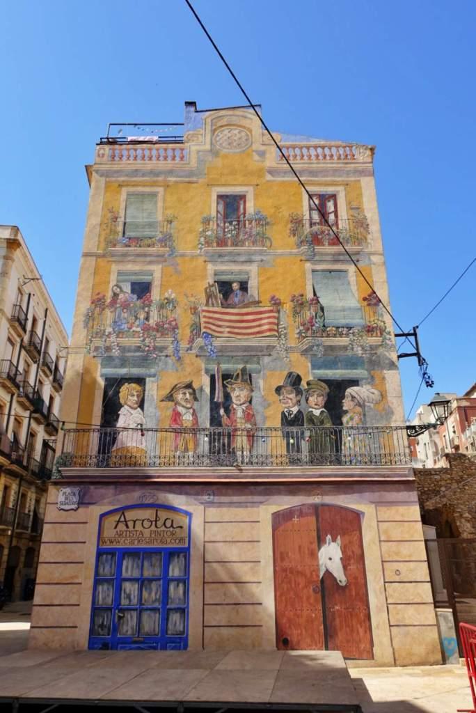 Building artwork, Plaça dels Sedassos