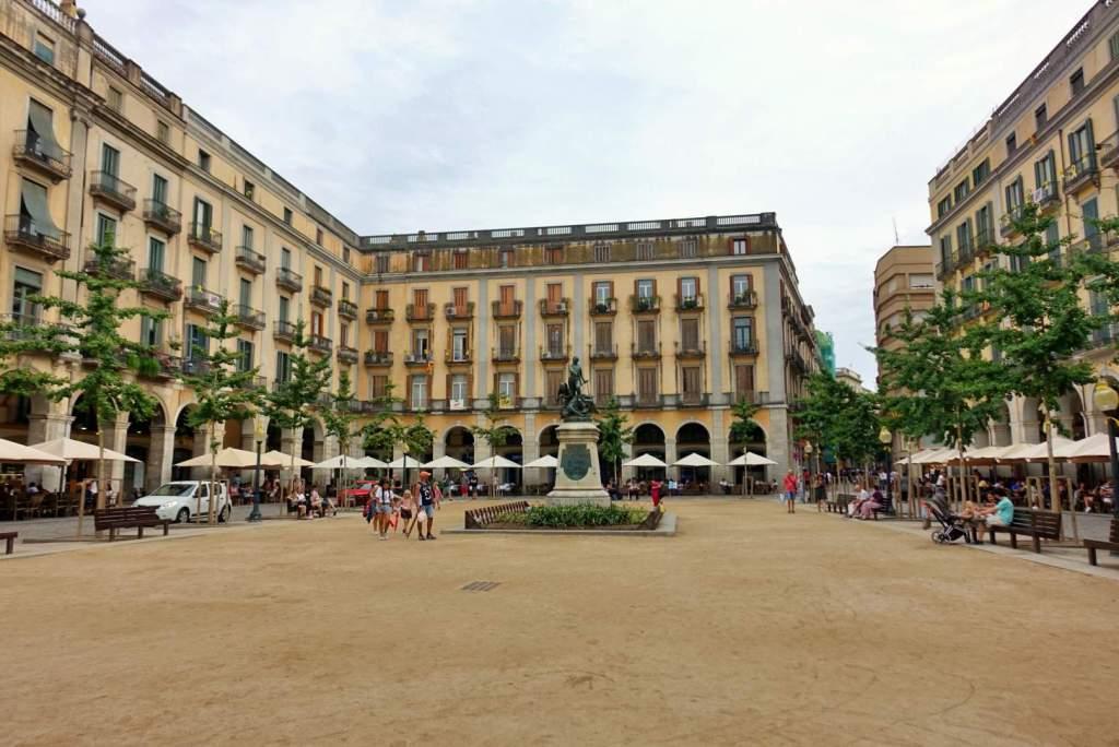 Plaça de la Independència, Girona