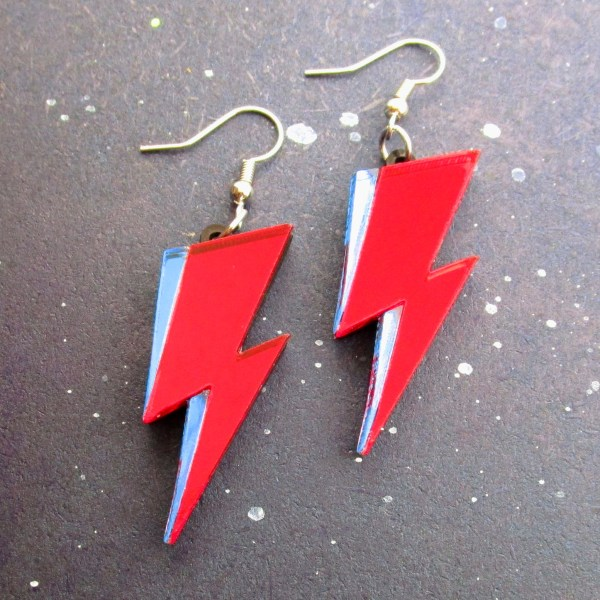 david bowie ziggy stardust red and blue lightning bold makeup design dangle earrings mirrored acrylic