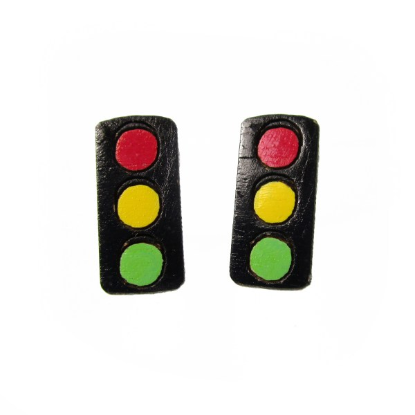 2 forward facing traffic light stop go stud earrings