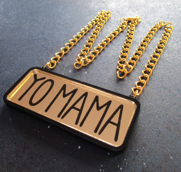 yo mama text on gold and black pendant with thich gold chain in shape of crown