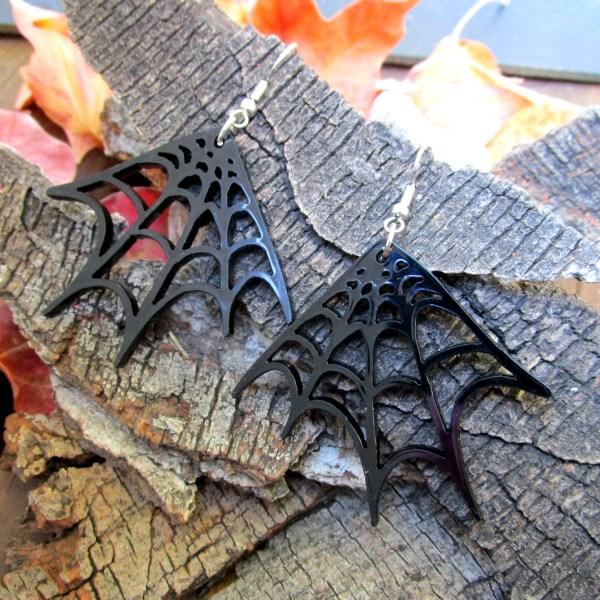 black spider web corner earrings