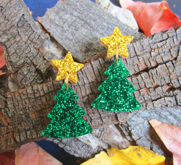 gold and green christmas tree star earrings