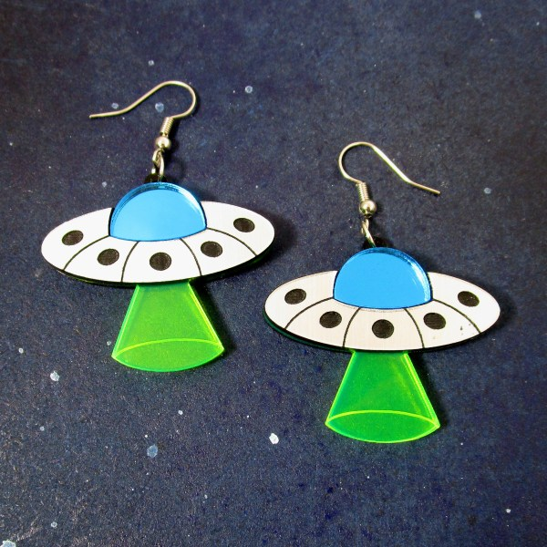 flying saucer earrings with beam