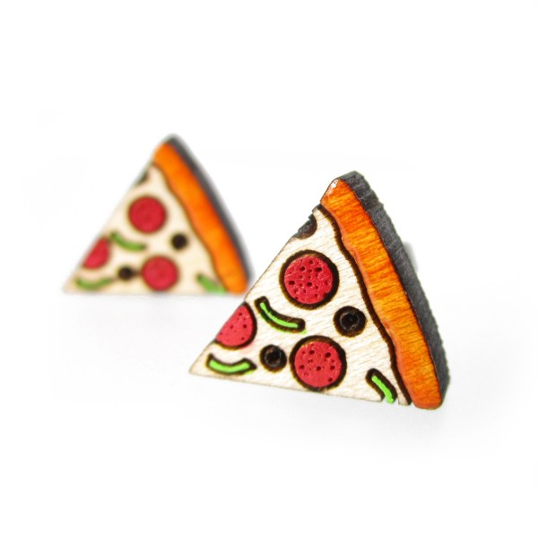 close up of tiny pizza stud earrings