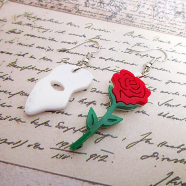 phantom of the opera asymetrical mismatch face mask and red rose earring set