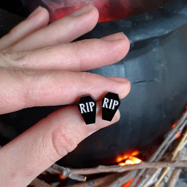 Little Halloween RIP Coffin Stud Earrings Rest in Peace Black Coffin Shaped Studs Jewelry