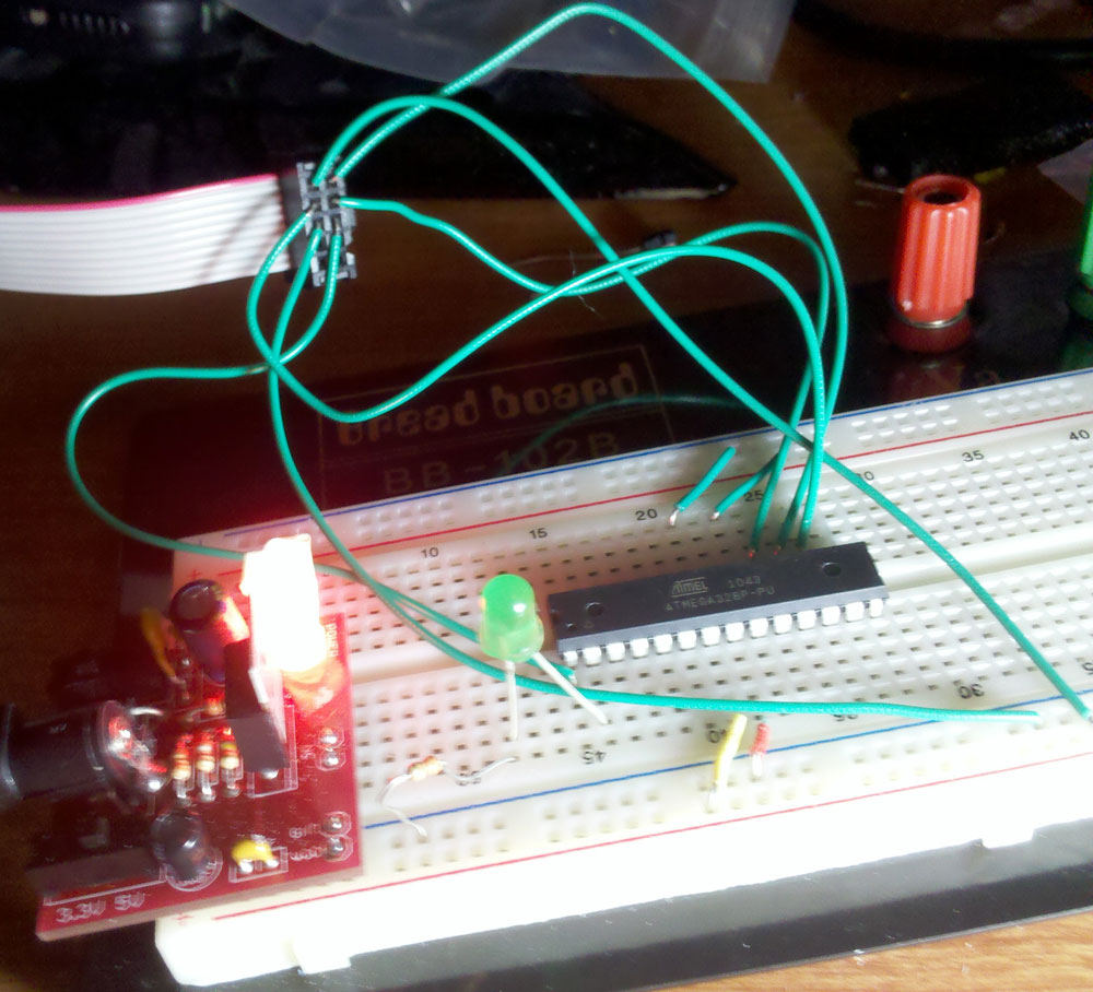Avr Programming 02 The Hardware Hackaday Looking For A Red Laser Diode Circuit Controlablelm317components01 Wiring Photo