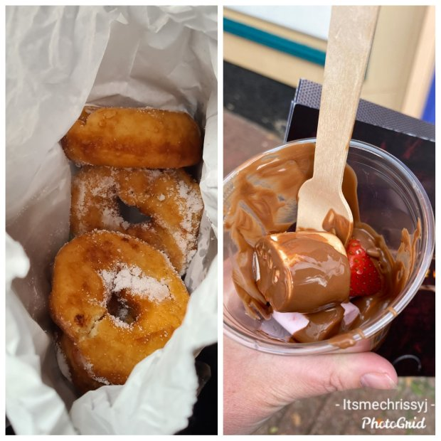 Alton Towers Sugar Doughnuts and Chocolate Fountain Stand Cup