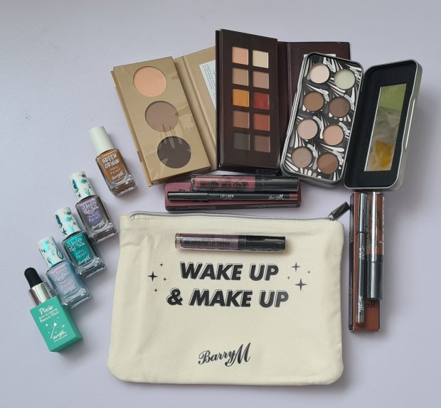 Barry M make up bag and contents