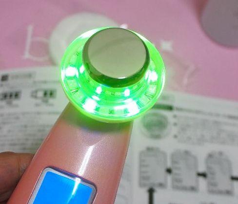 緑LEDはメラニンケア、透き通るようなお肌に