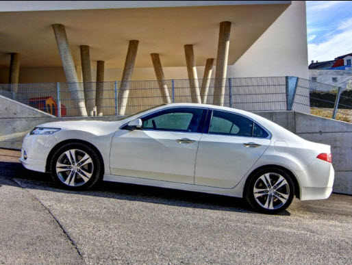 2013-Honda-Accord-white-color-Price-in-Pakistan-Dubai-singapore-USA