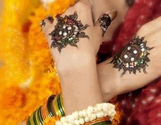 latest-mehndi-designs-in-dubai-2013-2014