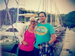 Met een bootje naar Meganissi voor een Griekse avond. Het was hilarisch en zó ontzettend leuk.
