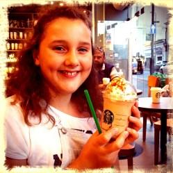 Ze wilde zó graag naar Starbucks, dat we daar een toetje namen.