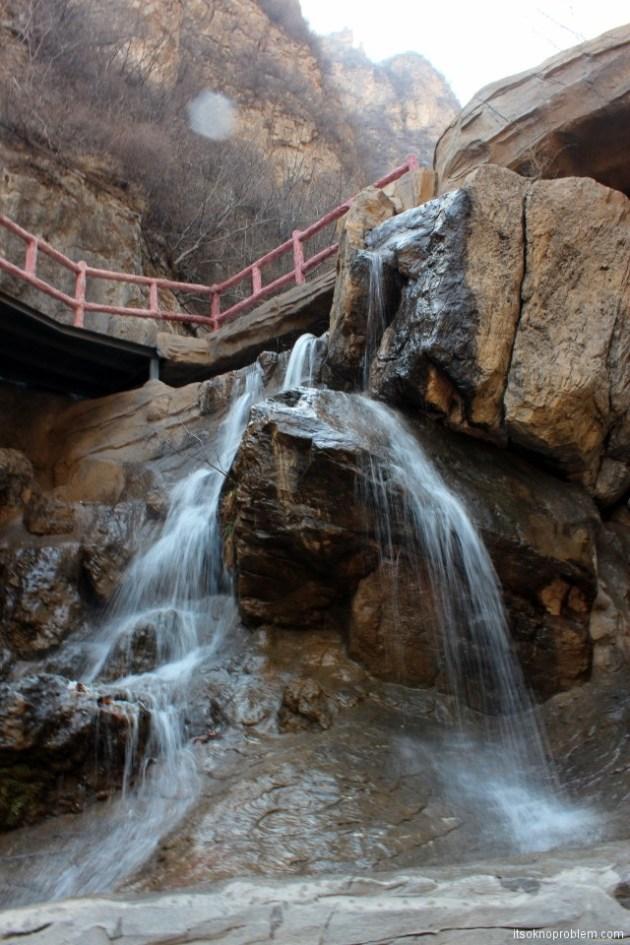 Пять героев гора Ланья. Водопад