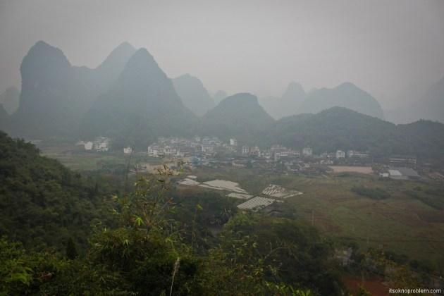 Bicycle Around Yangshuo. Moon Hill. Вид с холма