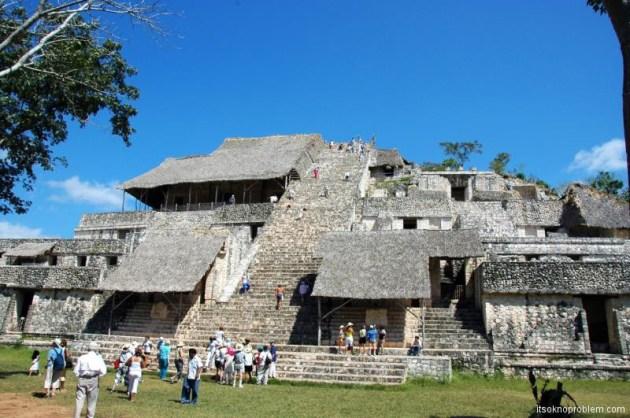 Праздник весеннего равноденствия в Чичен-Ица, Мексика