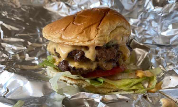 Brand new homemade food sensation Smashed Burgers launches in Cardiff