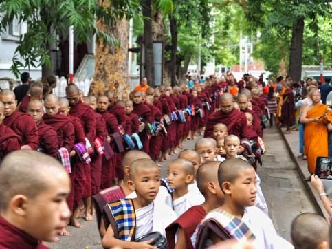Maha Gandayon Monastery procession