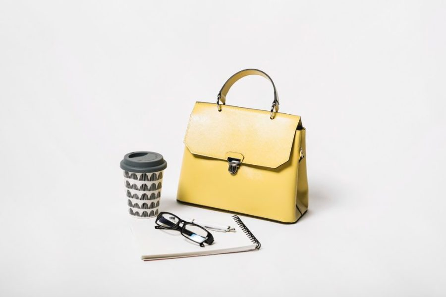 Feature image of article work bag with lunch compartment