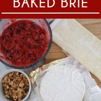 Easy Baked Cranberry Brie Appetizer
