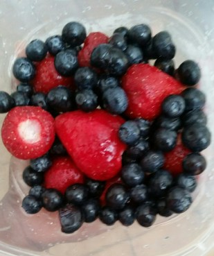 frozen berries for fruit smoothie