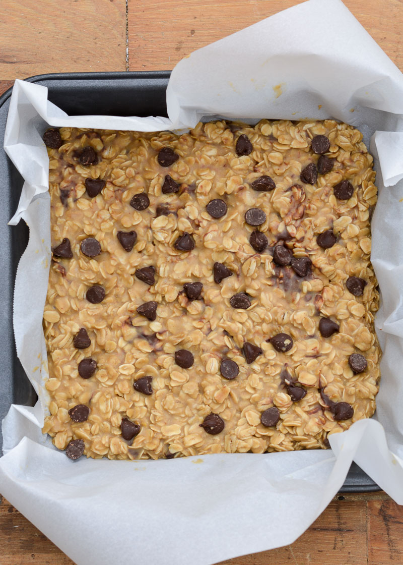 These Gluten-Free Peanut Butter Granola Bars are an excellent snack that require no cooking! Try this healthy treat that is also super versatile, easy to meal prep, and quick to make!