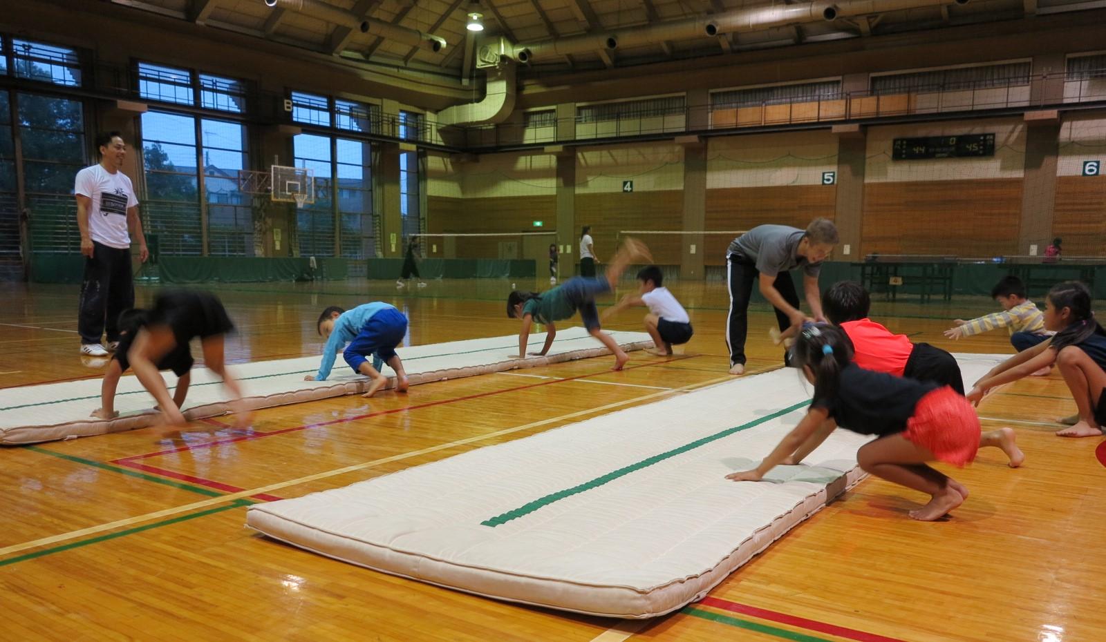 【スタッフレポート】夏から秋のアクロバット体操