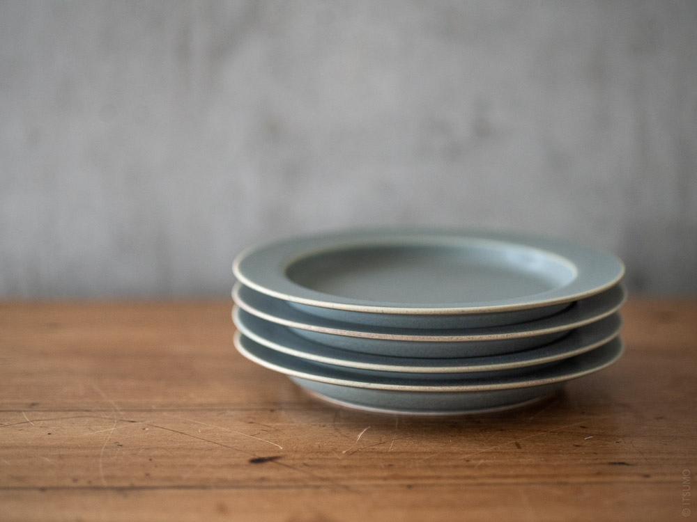 Yumiko Iihoshi Porcelain_tableware_unjour_plate_moku
