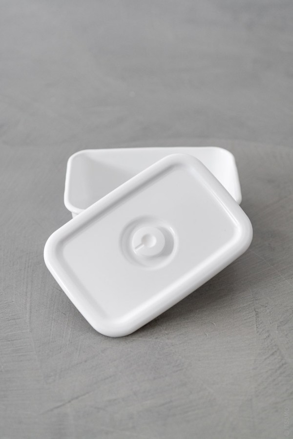 Noda Horo_Sealed Lid_Rectangle Deep_top
