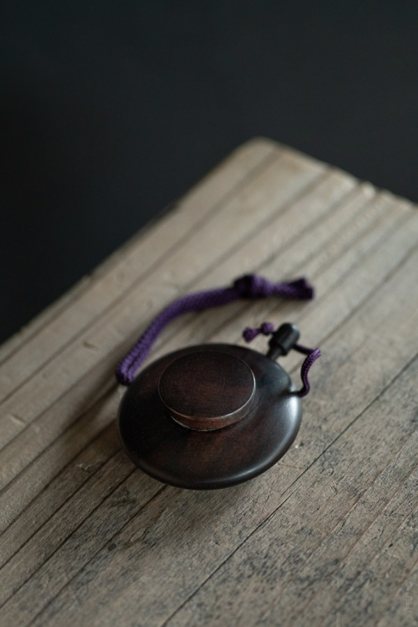 Kungyokudo_Ebony Incense Powder Case_top