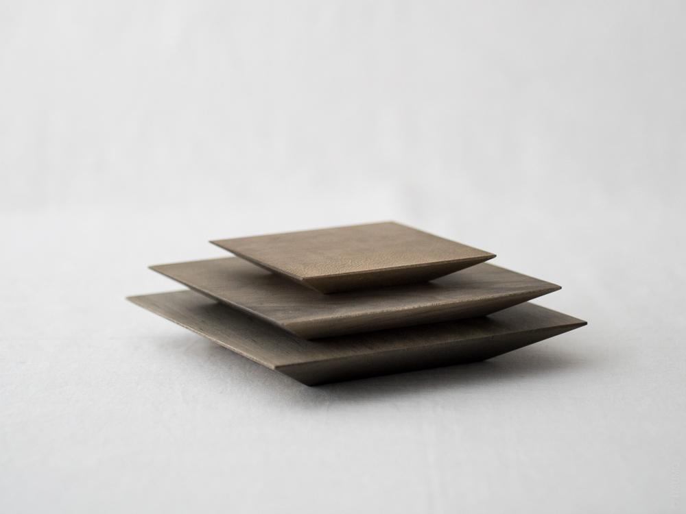 Masashi Ifuji_Square Plate_vege dyed_dl-1