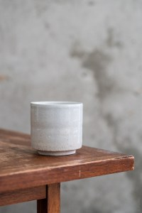 Azmaya_Iga Teacup_sekkai_stone_top