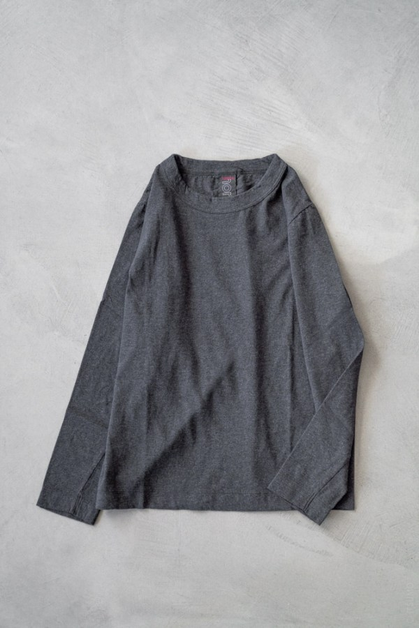 Homspun_Long Sleeve T-shirt_charcoal_top