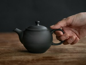 Azmaya_Round Teapot with Back Handle_dl