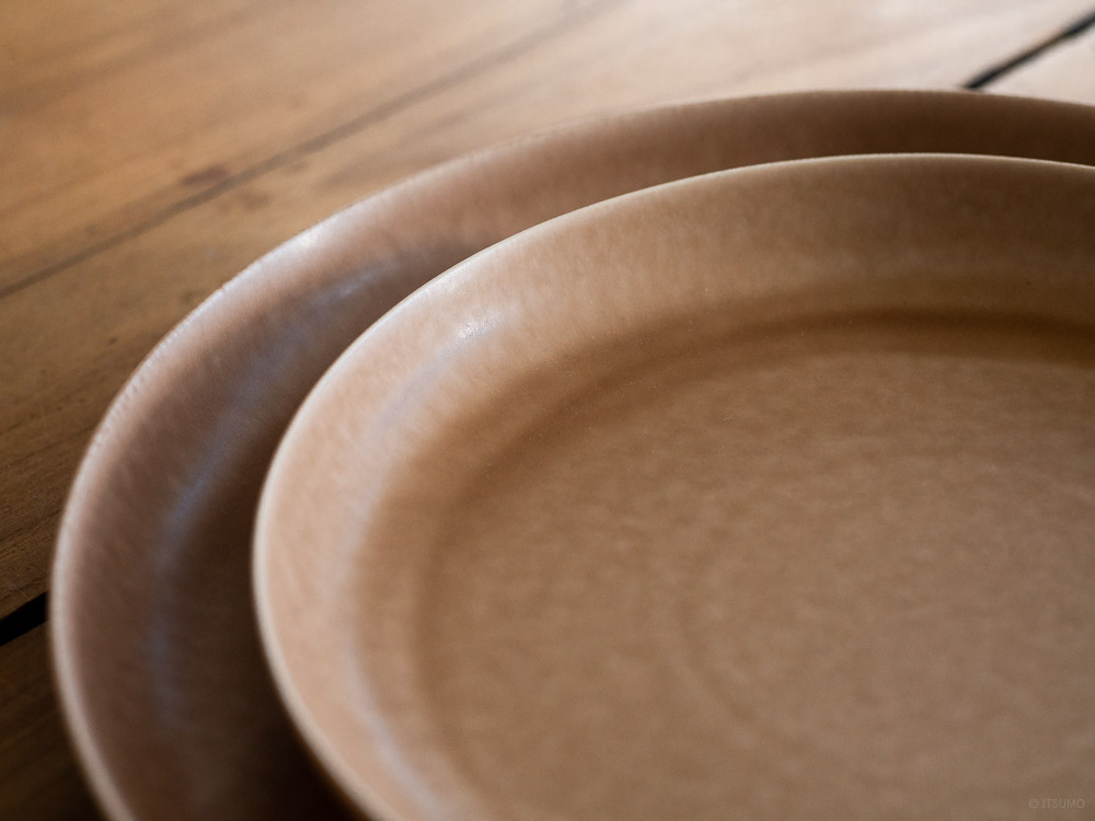 Yumiko Iihoshi Porcelain_ReIRABO_Dinner Plate_warm soil brown