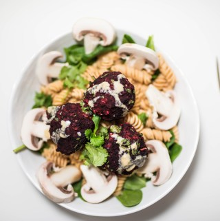 BEETROOT MEATBALL BOWL W/ TAHINI & CASHEW CREAM (GF+V)